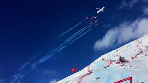 Lentonäytös alppihiihdon MM-kisoissa 2017 St. Moritzissa.