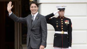 Justin Trudeau vierailee valkoisessa talossa.