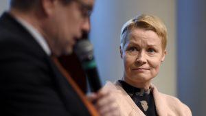 EVAn johtaja Matti Apunen (vas.) ja Me-säätiön toimitusjohtaja Ulla Nord