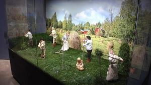 Pienoismalli maatalon töistä Maatalousmuseo Sarassa.