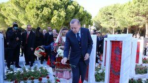 Turkin presidentti Recep Tayyip Erdoğan vieraili Gallipolin taistelun muistomerkillä lauantaina.