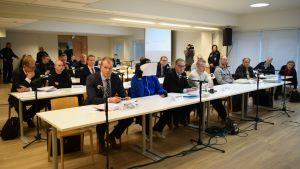 Uusnatsien mellakkakärjät Jyväskylän käräjäoikeudessa.