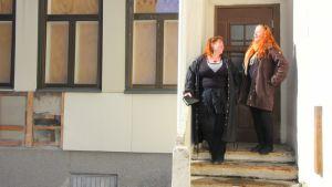 Riitta Nyberg ja Anita Latola.