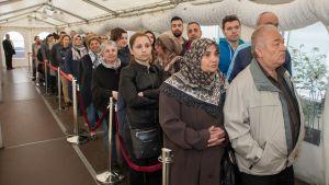 Kölnin turkkilaiset jonottivat äänestämään sunnuntaina.