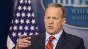 Valkoisen talon tiedottaja Sean Spicer