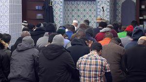 Hasan Omarin ravintolan alapuolella on muslimien rukoushuone.