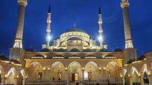 Ahmat Kadyrovin moskeija Groznyissä.