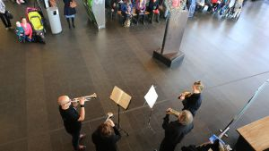 Jyväskylä Sinfonian vaskikvartetti konsertoi Matkakeskuksessa.