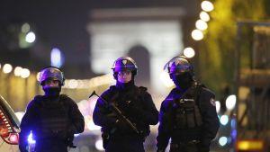 Ampumavälikohtaus Pariisissa 20.04.2017.
