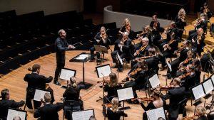 Sinfonia Lahti ja Dima Slobodeniouk