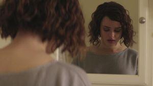 Netflix-hitti kertoo itsemurhan tehneestä Hannah Bakerista.