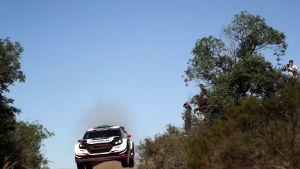Elfyn Evans ja Ford Fiestan tyylinäyte Argentiinassa
