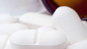 tabletteja pöydällä