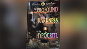 The Profound Darkness of the Hypocrite -kirjan kansi.