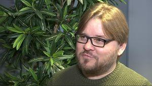 Mika Flöjt Kuusamosta pyrkii jälleen vihreiden puheenjohtajaksi.