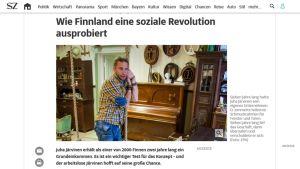 Kuvakaappaus sueddeutsche.de -nettisivuilta aiheesta, joka käsittelee Kelan perustulokokeilua esimerkkinään Juha Järvinen.