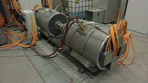 Sähkömoottoreja testattavana Visedon tiloissa