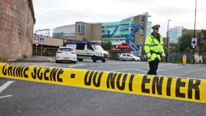 Poliisin eristämä Manchester Arena.