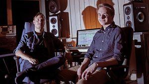 Movement Machina eli Jussi-Pekka Saarinen (vas.) ja Timo Vaittinen aikovat pelata tulevaa Wipeout-peliä erityisellä mielenkiinnolla.