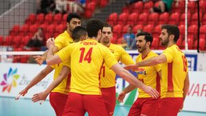 Espanjan joukkue tuulettaa.
