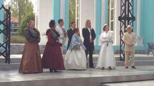 Mannerheim-oopperan solistit lavalla harjoituksissa 5. kesäkuuta 2017