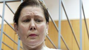 Moskovan ukrainalaisen kirjaston johtaja Natalia Šarina oikeudenkäynnissä.
