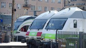 VR:n junia Helsingin päärautatieasemalla