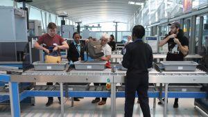 Turvatarkastusta John F. Kennedyn lentokentällä toukokuun 17. päivänä 2017.