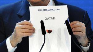 Sepp Blatter julkisti vuoden 2022 jalkapallon MM-kisaisännän Qatarin.