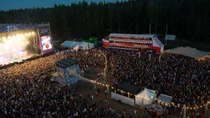 Provinssi keräsi Törnävänsaareen 25 000 festivaalivierasta päätöspäivänä lauantaina.