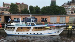 Laiva Viipurin satamassa
