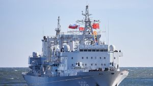 Kiinan laivaston alus.