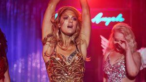 Angela (Krista Kosonen) elokuvassa MIAMI.