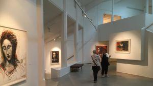 Kouvolan taidemuseossa on esillä Kuutti Lavosen töitä