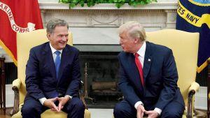 Donald Trump ja Sauli Niinistö tapasivat Valkoisessa talossa maanantaina