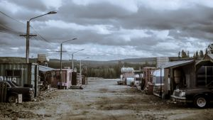 Viimeiset-elokuvaan lavastettu kaivoskylän raitti