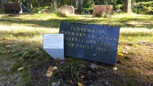 Tuntemattoman henkilön hauta vuodelta 1918