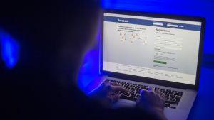 facebook läppärillä