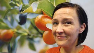 """70 kiloa pudottaneen Jenni Köykän ohjenuora on yksinkertainen: """"Tolokku se on talakkunankin syömisessä""""."""