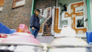 Graffititaiteilija Tommi Pasanen.