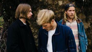 Lake Jons -yhtyeeseen kuuluvat Jaska Stenroth (vas.), Jooel Jons ja Mikko Pennanen.