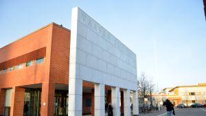 Vaasan yliopiston päärakennus.