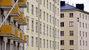 kerrostaloja Helsingin kalliossa