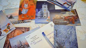 Kuvataiteilija Heikki Laaksosen kuvittamia joulukortteja.