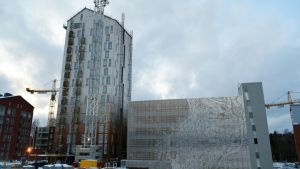 Pysäköintitalon naapuriin valmistuu tornitalo opiskelijoille.
