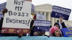 Mielenosoitus liittyen työnantajan tarjoamaan ilmaiseen ehkäisyyn Washingtonissa 2014.