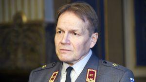 Puolustusvoimien tiedustelupäällikkö, kenraali Harri Ohra-aho.