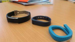 Testituotteina Polar Loop, Fitbit Flex ja Jawbone Up.