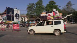 Med terrängbil genom Indokina