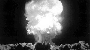 Bild på en exploderande atombomb.